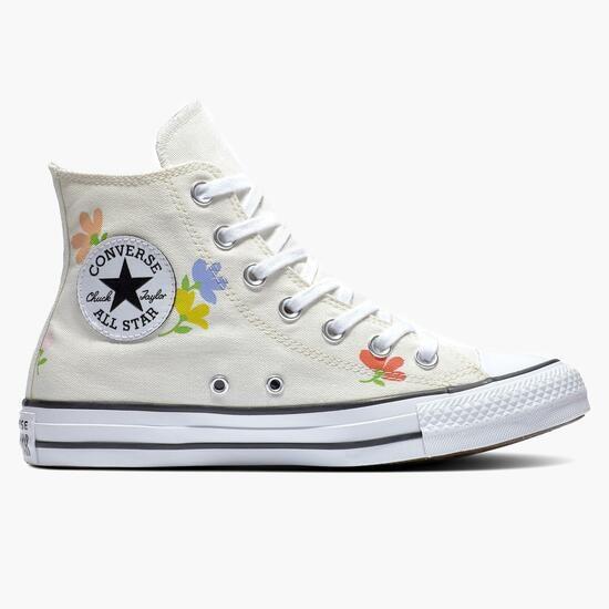sapatilha ALL STAR da CONVERSE com pequenas flores sobre fundo branco