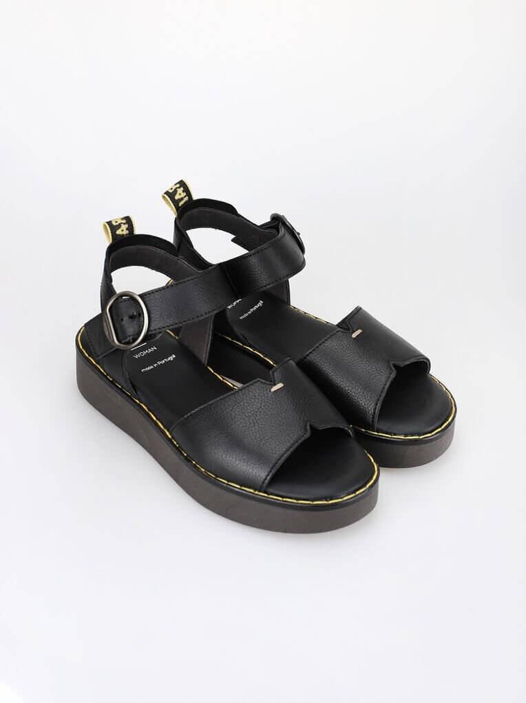 Sandálias rasas com tiras douradas da women'secret