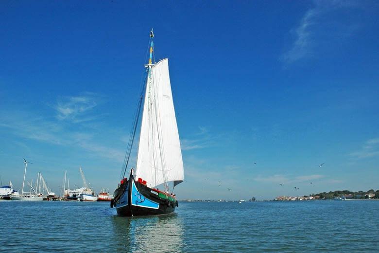 embarcação tradicional do rio Tejo